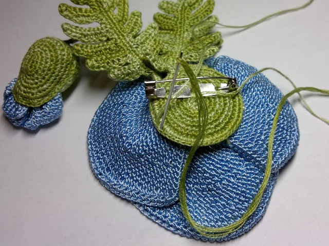 flor en crochet azul (4)