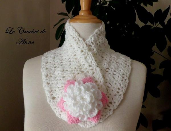 bufanda-adornada-con-un-broche-de-flore-5