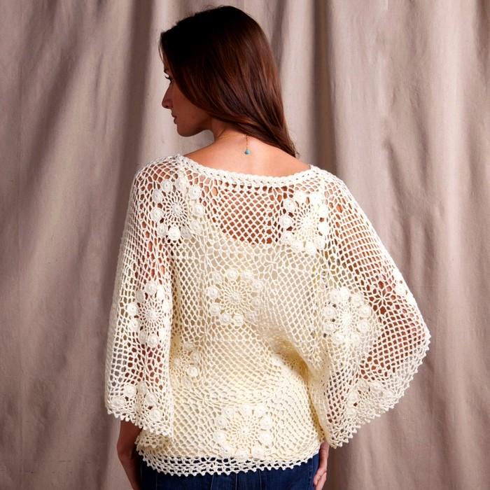 poncho-tejido-en-crochet-con-cuadros-21