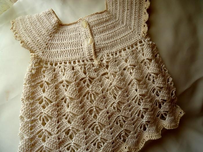 vestido-para-ninas-en-ganchillo-en-tono-crema-3