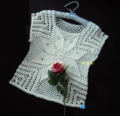 blusa-con-flor-en-crocheyt-1